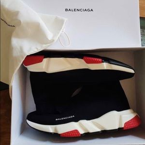 BALENCIAGA  RUNNER WOMENS SIZE 8-8.5 USED IN MINT!